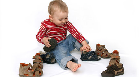 Selecting proper orthopedic shoes for children